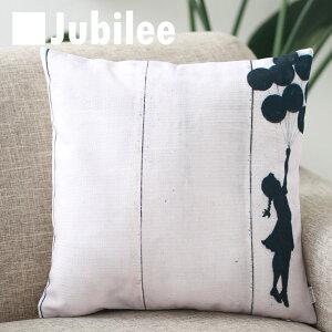 【バンクシー Banksy クッションカバー】 Cushion Cover 北欧デザイン 45×45cm リネン 天然の麻で出来たハンドメイド バルーンガール2 プレゼント ギフト 新生活 新居 引越し祝い 新築 子供 家 おう
