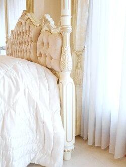 輸入家具■オーダー家具■プリンセス家具■女優ベッド■オードリー■天蓋■クィーンサイズ■アンティークホワイト&ゴールド色■ピンク花かご柄の張地