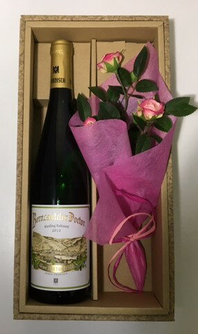 ♪ワインの贈り物 かわいいお花を添えて♪ベルンカステラー・ドクトール・カビネット<白:甘口>【送料無料】【楽ギフ_包装】【楽ギフ_のし】【楽ギフ_のし宛書】 ドイツ白ワイン ギフト お祝い