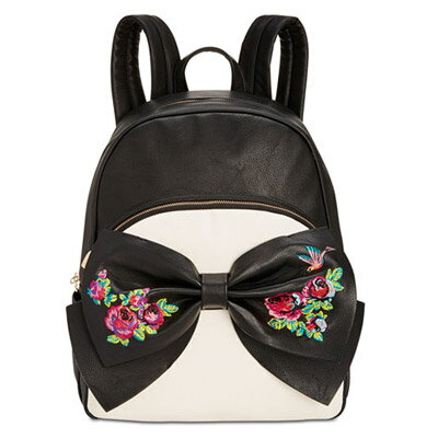 ベッツィージョンソン バックパック Betsey Johnson Medium Bow Backpack (Black/Cream) ボウ ミディアム バックパック/リュック(ブラック/クリーム) レディース 新作 正規品 日本未入荷 アメリカ買付 海外通販 バッグ リュックサック