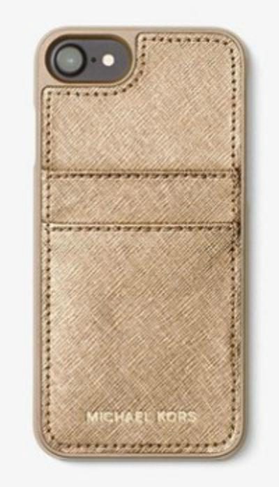 マイケルマイケルコース iPhoneケース Michael Michael Kors Metallic Saffiano Leather Phone Case iPhone 7 Cover (PALE GOLD) ストライプ レザー iPhone7ケース (ペールゴールド) ● 新作 正規品 レディース iPhoneカバー スマートフォンケース