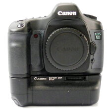【中古】【EOS5DボディBG-E4セット】CANON(キヤノン)一眼レフカメラ【商品ランク】☆☆☆/中古品/キズやテカリ、汚れ、付属品欠品などありますが、使用上の問題はない商品です。【中古保証書付き】【83】
