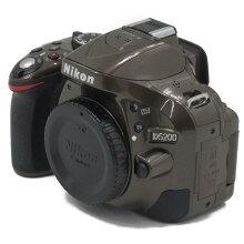 【中古】【D5200ボディ】Nikon(ニコン)デジタル一眼カメラ【商品ランク】☆☆☆☆/中古良品/細かなキズやテカリ、汚れがありますが、多少の使用感のみで状態の良い中古品です。【中古保証書付き】【77】