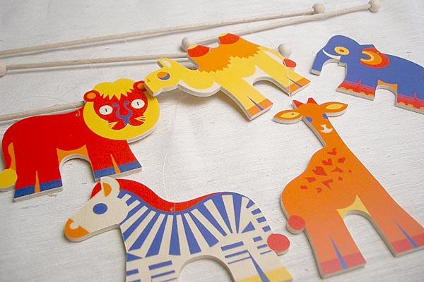 ヘラー社の木製モビール ZOO【おもちゃ歳から】【子どもお誕生日知育玩具プレゼントキッズ子供ゲーム木のおもちゃギフト出産祝い赤ちゃん男の子女の子】