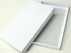 シンプルなホワイトボックス(大)