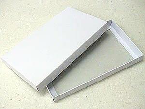 シンプルなホワイトボックス(小)