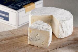 チーズにはワインがやっぱり最高★お酒のおつまみにも♪北海道クレイルさんの本場フランス仕込みの極上「生」カマンベールチーズ【クレイルチーズ おいこみブルー】ギフト 贈答用 贈り