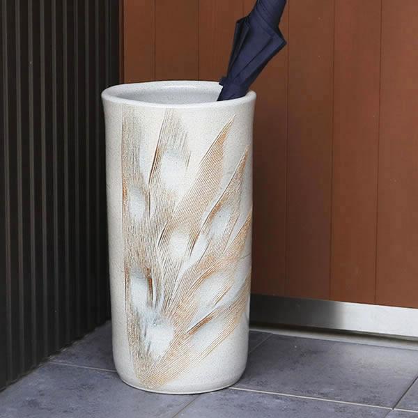 【 今だけポイント20倍 】傘立て 陶器傘立て 信楽焼かさたて 和風傘立て 傘入れ 壷 しがらき カサタテ やきもの傘立て かさたて陶器 玄関 花器 花瓶 かさたて くし目彫り傘立て kt-0157