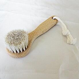 馬毛 フェイスブラシ(ソフト)ボディブラシ ウェット&ドライブラッシング ボディ洗浄 洗顔 小顔 全身 角質ケア ボディケア ボディブラッシング 美顔 美肌 天然木/馬毛100%使用 毛の硬さ ソフト 手のひらサイズ 全長約15cm 日本製