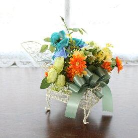 造花 ピアノの花器に飾ったミニバラのアレンジ【父の日特集】 シルクフラワー CT触媒