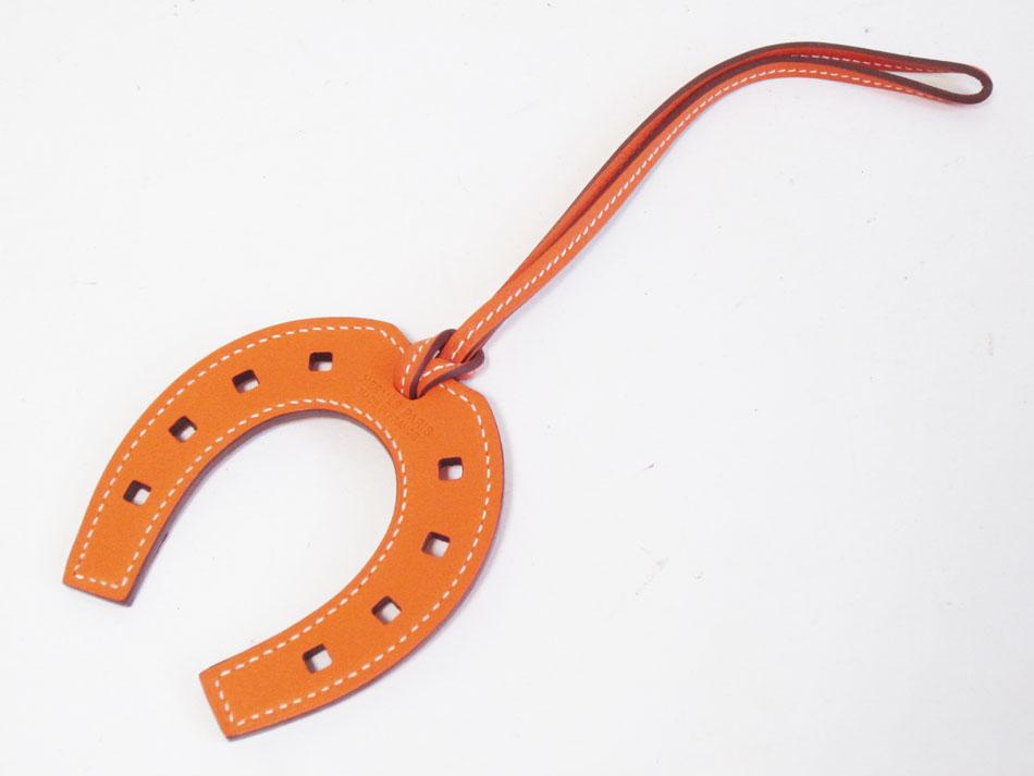 HERMES エルメス チャーム パドック オレンジ レザー ヴォースイフト 馬蹄 063615CA93 未使用品 新品【中古】
