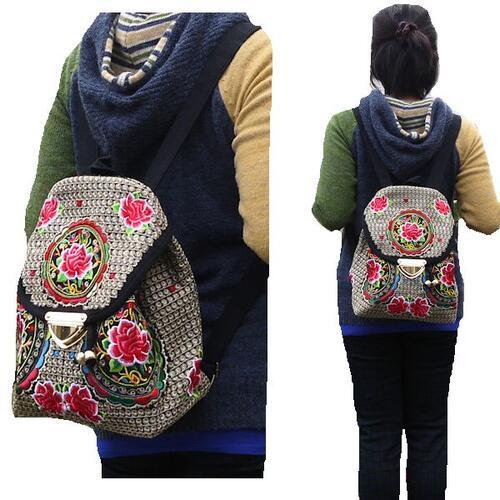 【送料無料】【あす楽】調整可能ショルダー紐 モン族 バッグ マシンメイド 花とぐるぐる刺繍 小さめ リュックサック 巾着