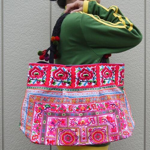 【送料無料】モン族 古布 刺繍 ハンドバッグ ジッパー付 全面刺繍 深さ約32cmの大容量!