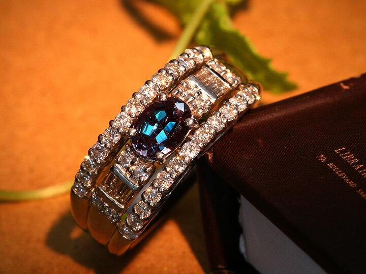 大粒アレキサンドライト0.57ct・ブラジル産の絶品・角ダイヤも豪華0.67ct PT900リング 指輪 1点もの 劇的カラーチェンジ/Ycollectionワイコレクション/送料無料