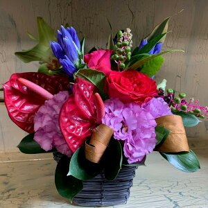 【一年の感謝を贈る花ー敬老の日Select】敬老の日の御祝に バラ アンスリューム りんどう トルコ桔梗 のアレンジメント 誕生日 記念日にも ギフトラッピング メッセージカード 予約 配達日