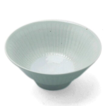 白瓷線刻飯碗・幾田晴子