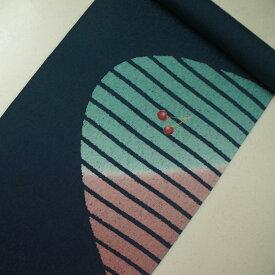 正絹紋意匠ローケツ染帯 紺色地(一部鉄紺) 吹雪 サクランボ