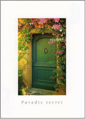 ポストカード 【カラー写真】草花の中の緑のドア