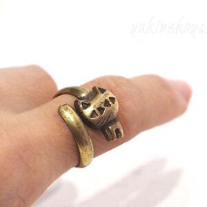 猫の指輪巻き付き猫リング(真鍮)(輸入雑貨猫雑貨猫グッズネコ雑貨ねこ柄キャット)