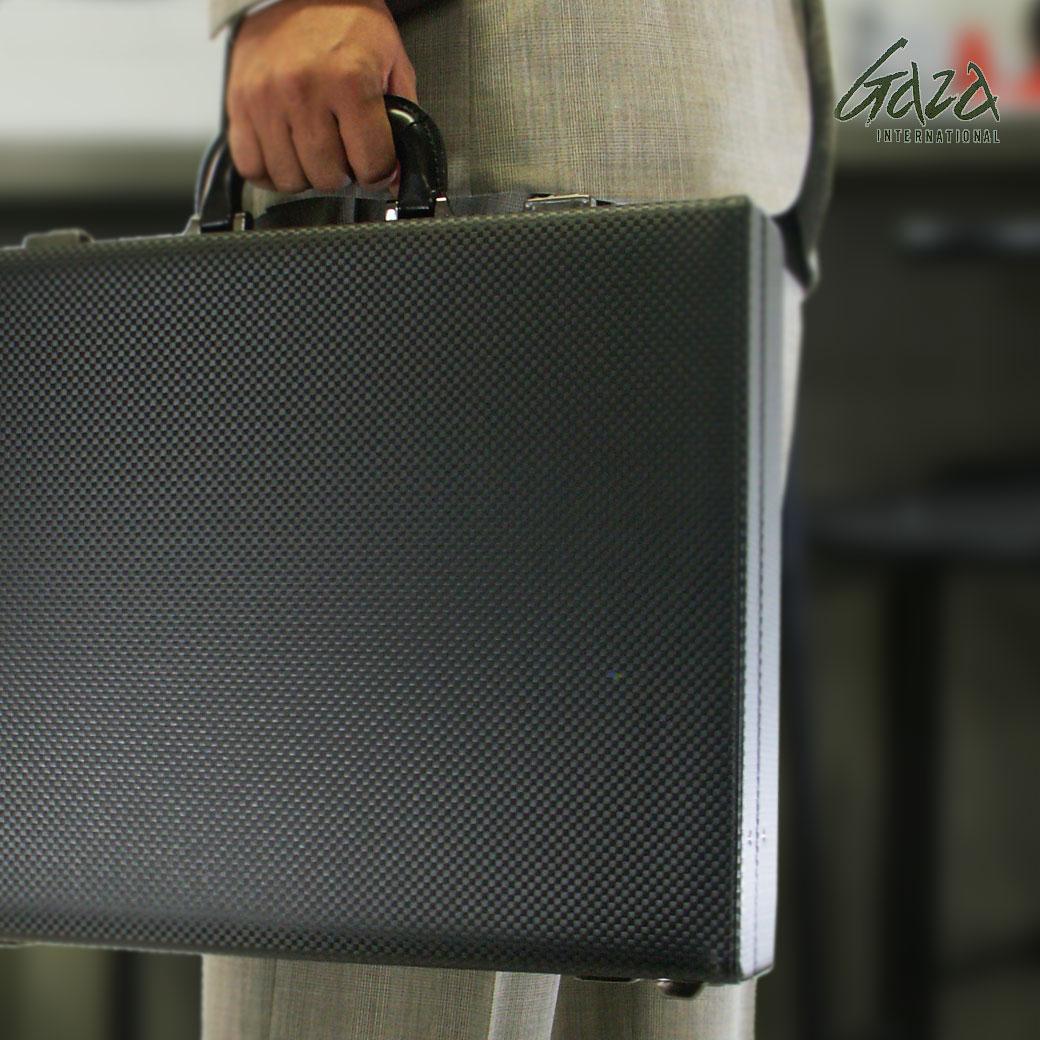 【20周年記念クーポン配布中!】 ビジネスバッグ アタッシュケース メンズ GAZA ガザ ATTACHECASE アタッシュ 合成皮革 アタッシュケース B4 横型 日本製 メンズバッグ バッグ プレゼント ギフト ブランド ランキング 青木鞄 v7p4a06