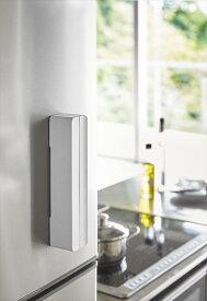tower 磁石で冷蔵庫横などに貼り付けて収納できる マグネットラップケース タワー S ホワイト ラップをスタイリッシュに収納 おしゃれ雑貨 おすすめ 人気