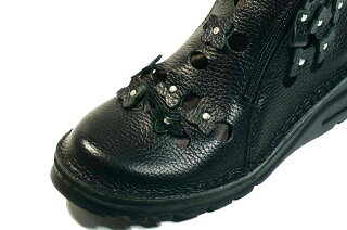 ショートブーツ痛くない疲れない靴コサージュお花両ファスナー革痛くない靴疲れない靴黒本革レディース靴パンチングショートぺたんこyurikomatsumoto送料無料