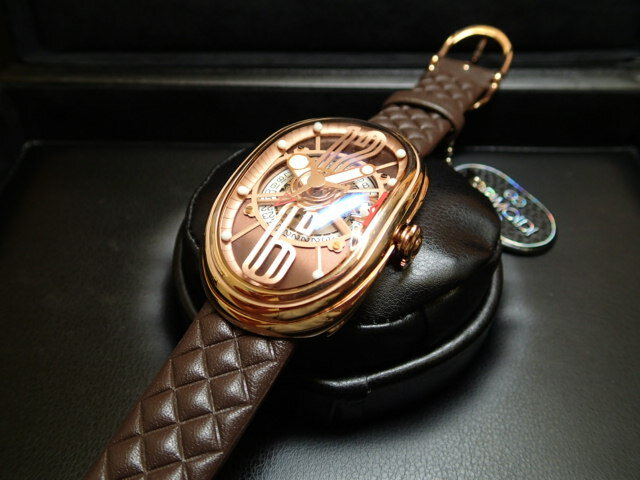 グリモルディ腕時計 G.T.O. 交換用バンドつき 腕時計 メンズ GRIMOLDI Gran Tipo Ovale RGSHBR612PK1962年〜1964年にわずかに製造されたフェラーリ250GTOにオマージュした腕時計