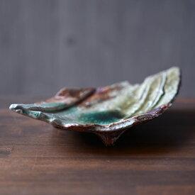 伊賀灰釉菱形鎬皿 (MA-275) 作家「新学」