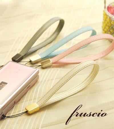 fruscio ストラップ 革製 携帯 ストラップ 人気の革を使ったオリジナルストラップ。プレゼントやギフトにも最適 【日本製】