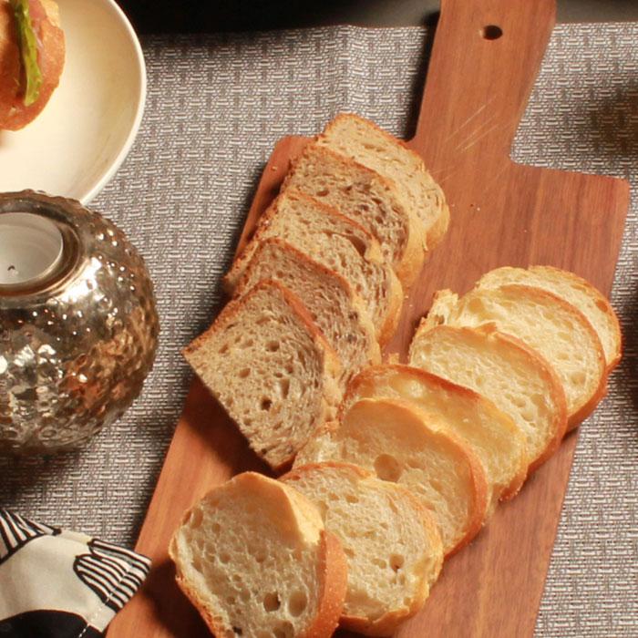 8種の穀物パン 約 500g テーブルマーク朝ご飯 朝食 ブレッド 洋食 雑穀パン 冷凍パン 家庭用 業務用 [店舗にもお勧め] [食卓にもお勧め] [冷凍食品]