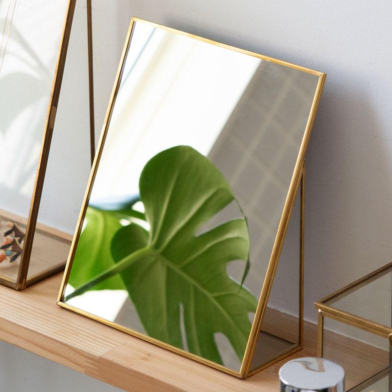 【割引クーポンあり】卓上ミラー スクエア型 Lサイズ 真鍮フレーム [66716]【 スタンドミラー 鏡 かがみ カガミ ミラー 卓上鏡 テーブルミラー アンティーク調 コンパクト 長方形 化粧鏡 おしゃれ 可愛い メイクアップミラー シンプル 軽量 インテリア雑貨 西海岸 】