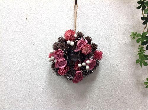 ピンクシックローズリースS NE491 天然素材/ナチュラル/クリスマス/造花/インテリア/ピンク/ホワイトシルバー 【RCP】