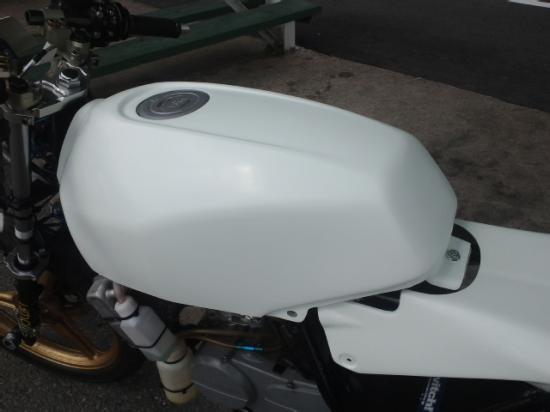 NS50F・R FRP製 タンクカバー M-DESIGN(エムデザイン)