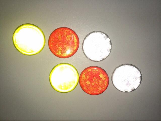【送料無料】反射 リフレクター 缶 バッチ 2個セット