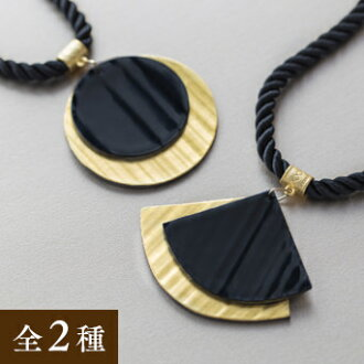 Gold leaf bamboo necklace