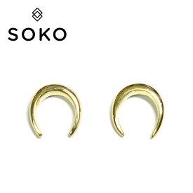 【再入荷】【otonaMUSE 雑誌掲載】【選べる3点福袋対象】【ピアス今だけ全品10%OFF】≪SOKO≫ ソコホースシュー ゴールド スタッズ ピアス Horseshoe Studs Earrings (Gold)【レディース】