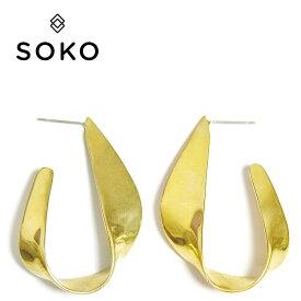 【再入荷】【ピアス今だけ全品10%OFF】≪SOKO≫ ソコリボン ゴールド フープ ピアス Ribbon Statement Hoop Earrings (Gold)【レディース】 ワンマイルコーデ